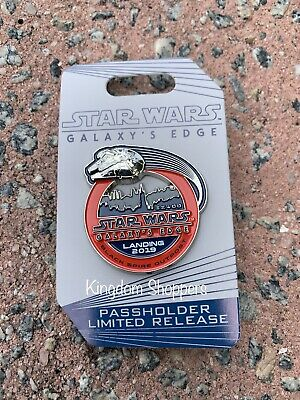 NEW 2019 Disney World Star Wars Galaxy's Edge Passholder Trading Pin In Hand