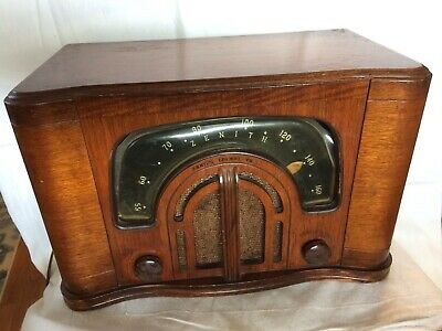 Vintage 1942 ZENITH BOOMERANG TUBE RADIO TABLETOP CONSOL TONE Model 6D-629 Works
