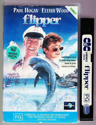 Flipper VHS PAL Tape Children's Video - Paul Hogan and Elijah Wood Vintage