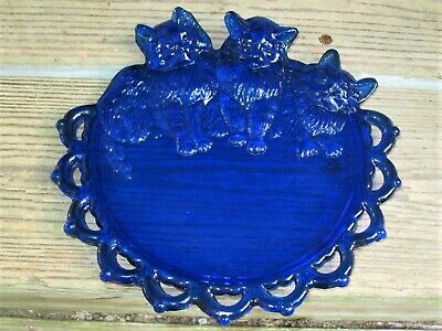 Lovely Westmoreland Glass Cobalt Blue Three Kittens Cats Plate