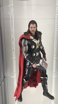 Thor ('The Dark World') MMS224 - Black Cape Version