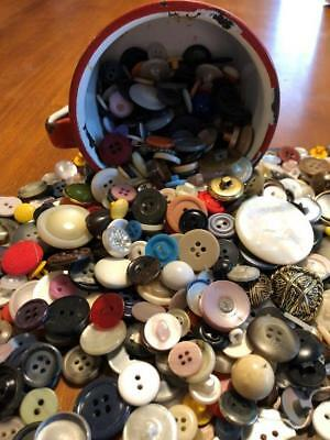 MIXED LOT 300 VINTAGE BUTTONS Sewing Crafts Display Scrapbooking