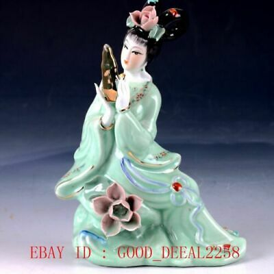 Chinese Porcelain Handwork Carved Beauty Statue RC008