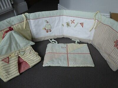 Lovely Mamas and Papas Whirligig Neutral Nursery Bedding Bundle Cot Bumper Nappy