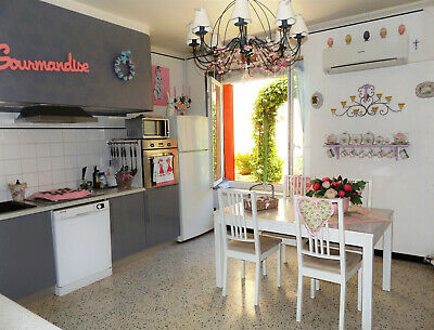 Beautiful renovated house of 8 rooms 189m² + garden In  a pretty village