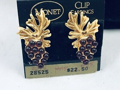 Vtg. Monet Nwt'S Purple Cabochon Gold Tone Bunch Of Grapes Earrings