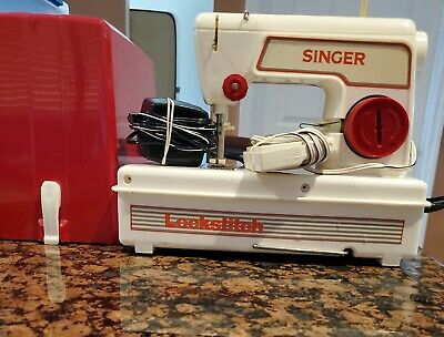 Child`s Vintage Singer Lockstitch Sewing Machine 1960's Model with carrying case
