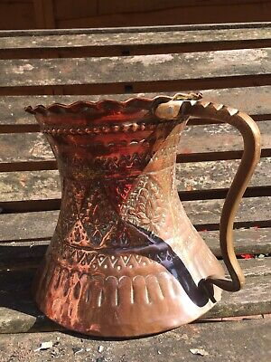 LGE Stunning Antique Arts and Crafts Hammered Copper Jug/Vase with Brass Handle.