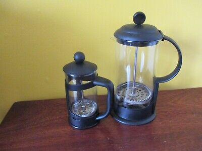 2 Cafetieres Glass and Black Handles & Lids 1 Larger & 1 Smaller