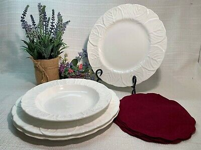 Wedgwood Fine Bone China Countryware. 'Choice' Dinner Plates & Soup Bowl NICE!!