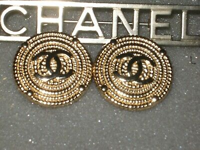 CHANEL  2 CC  MATTE CLEAN GOLD 23mm BUTTON THIS IS FOR TWO