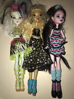 Mattel MONSTER HIGH DOLLS Lot of 3 DRACULARA FRANKIE STEIN DAYNA TREASURA JONES