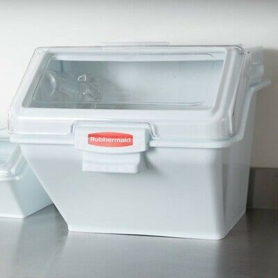 Rubbermaid Commercial ProSave Shelf Ingredient Bin with Scoop, 200-Cup, White,