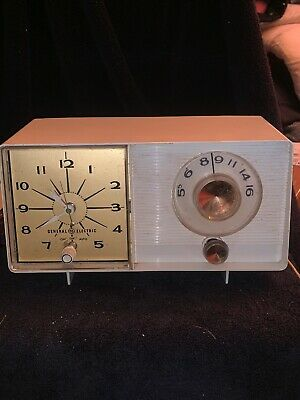 VINTAGE 1960S GENERAL Electric Bedroom Alarm Clock Radio ...