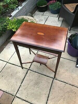 Antique vintage lamp table / side occasional table / centre display table