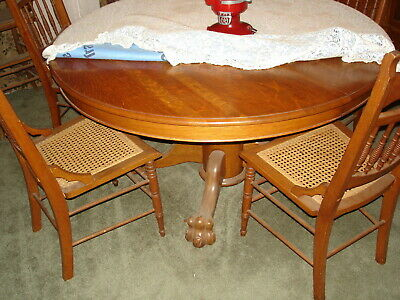 Antique Round Oak Table Claw Feet No Chairs Or Extra Leaves