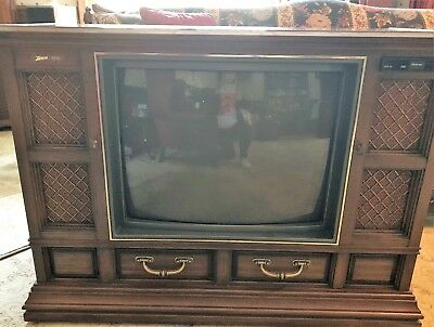 VINTAGE TELEVISION ZENITH CONSOLE CABINET 1980's 1982 MODEL