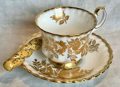 ROYAL ALBERT Teacup & Saucer GOLDEN ROSE Bone China ENGLAND