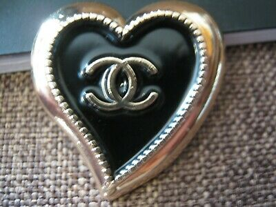 CHANEL  1 AUTHENTIC 30mm large black GOLD Heart shape BUTTONS 1