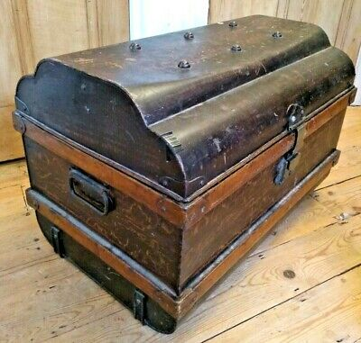 Vintage Metal Steamer Trunk / Tin Chest / Blanket Box / Coffee Table / Storage
