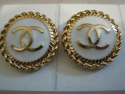 CHANEL  2 CC  LOGO WHITE, MATTE GOLD  18mm BUTTONS THIS IS FOR TWO