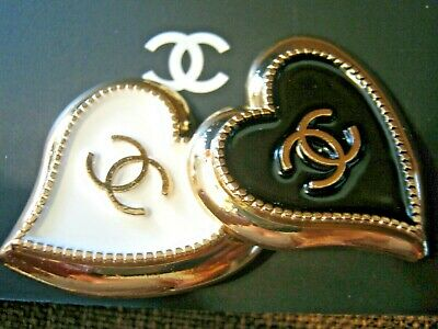CHANEL  2 AUTHENTIC 30mm large WHITE black GOLD Heart shape BUTTONS 2