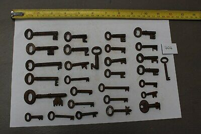 Bunch Joblot Of Old Antique & Vintage Cabinet caddy chest keys (404)