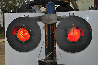 V.R. Level Crossing Lights