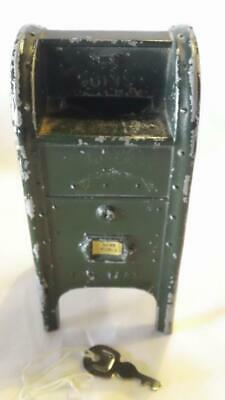 """Vintage US MAIL """"SAVE EARLY"""" MAILBOX GREEN METAL BANK w/KEY - FREE SHIPPING"""