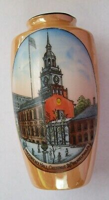 "Vintage Philadelphia Independence Hall 7"" Porcelain Souvenir Picture Vase"
