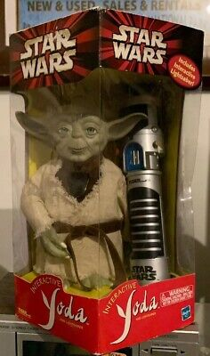 Vtg STAR WARS INTERACTIVE YODA and Lightsaber Training Talks Jedi 450 Words IOB