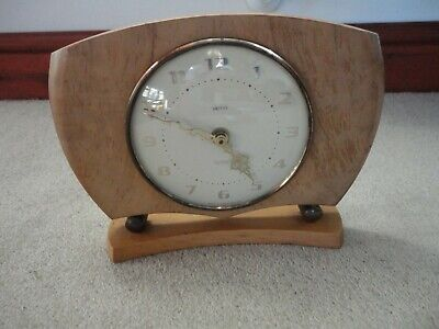 LOVELY 1980s VINTAGE SMITHS WOODEN SURROUND MANTLE CLOCK SECTRONIC WORKING EXCEL