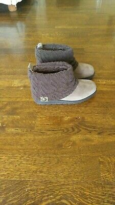 Women's Mukluks Patti Cable Knit Sweater Cuff Ankle Boot Taupe Size 9 NWT