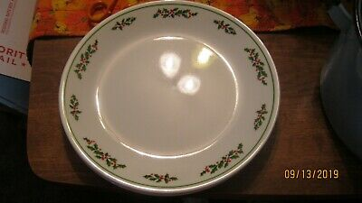 """Corelle 4 Christmas HOLLY DAYS With Black Veins Dinner Plates 10"""""""