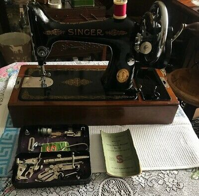 Vintage Singer 99k Sewing Machine With Case,Instructions  & Accessories 1945 VGC
