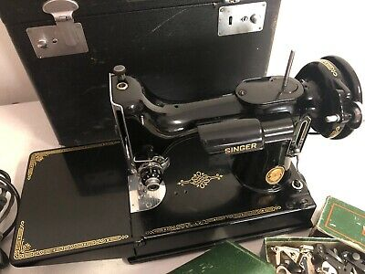 Singer Featherweight 221 Antique Sewing Machine #AK997559 W/case Pedal & extras