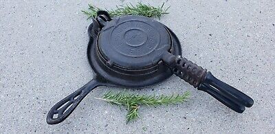 RARE SMALL SIZE Antique Griswold ERIE New American # 6 Waffle Iron 967 Cast Iron