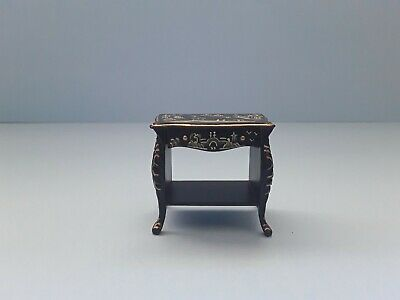 DOLLS HOUSE JIAYI HANDPAINTED  OCCASIONAL TABLE 12th SCALE