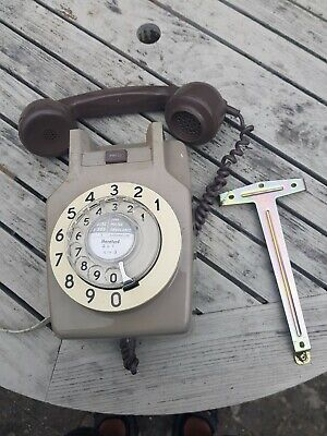 Vintage/Retro/ GPO/BT 741 Rotary Dial Wall Mounted Telephone.