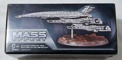 RARE - Mass effect Normandy SR-2 Antique Silver figure - Limited to 1500 copies
