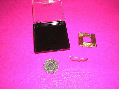 Collectable Vintage Broaches 'Isabella London England' Square Clip Bar Pin Box