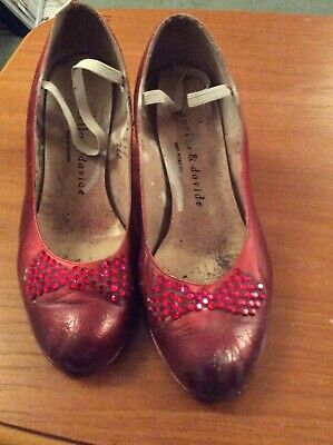 Ladies Red Fancy Dress Shoes Size 3.5