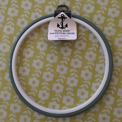 "Anchor Round Flexi-hoop And Picture Frame Fern Green Approx 7"" Diameter"