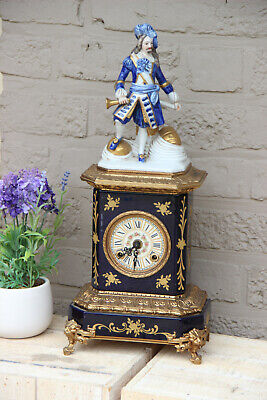Gorgeous French porcelain Clock vieux paris figurine lion paws  FHS movement