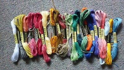 Job Lot X 25 Embroidery Sewing Threads / Skeins, Lot 1
