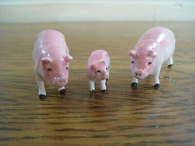 Vintage Ceramic Pigs, Set of 3. 2 Adults and a baby, cute painted china.