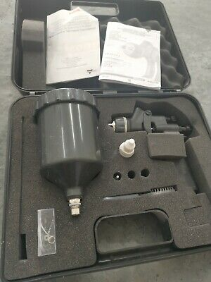 Walcom Genesis Carbonio 360  Clear Coat Gun  Used.