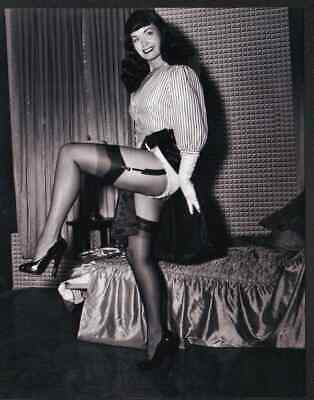 VINTAGE PHOTO COPT PRINT 18+ PIN UP MODEL BETTIE PAGE 10x8 GLOSSY B&W