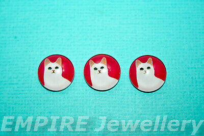 2 x White Cat on Red 12x12mm Glass Cabochons Cameo Dome Kitten Kitty