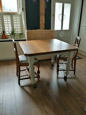 antique,victorian,oak,dining table,turned legs,castors, pair matching oak chairs
